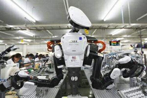 """Robot เพิ่มขึ้น! """"อเมริกาฯ"""" ใช้หุ่นยนต์ทำงานแทนคนเพิ่มขึ้นสองเท่าแล้ว ในช่วงเวลา 9 ปี"""